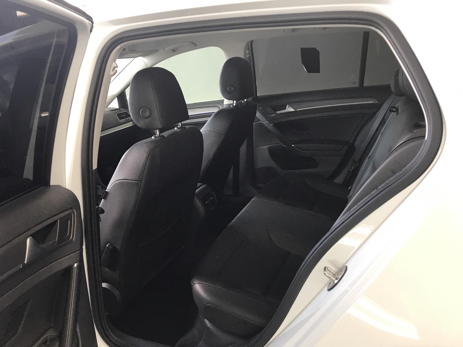 http://autocredit.com.ua/electro-cars/uploads/6/21-02-20/9d3s7H_J3XkGAFStZ.jpeg